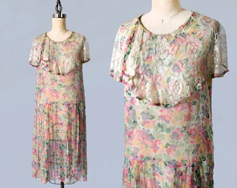 1920s Dress / 20s Sheer Floral Dress / Lace Capelet Collar