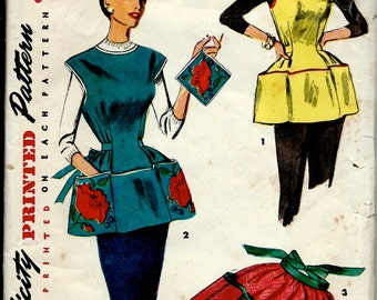1950's Simplicity 4492 Sewing Pattern of Simple to Make Cobbler Apron , Half Apron , and Pot Holder