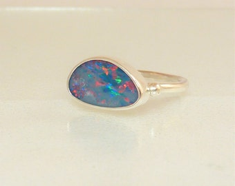 Iridescent Multicolor Opal doublet Ring, Australian Opal setting, Sterling Silver ring, Lavender red green opal