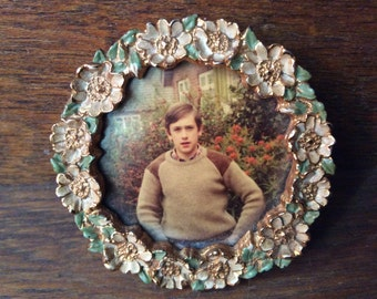 Vintage English metal round flower photo frame with boy circa 1970s / English Shop