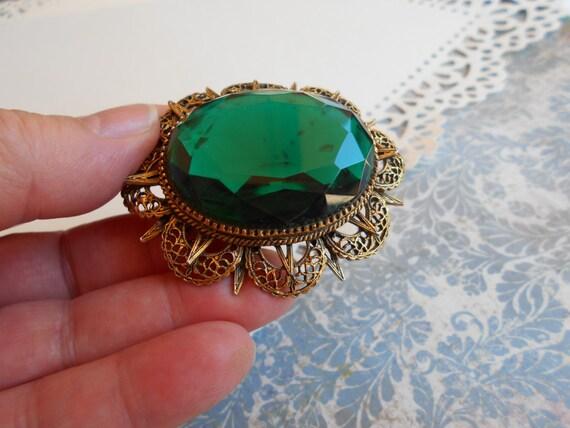 S A L E - 25% off - Vintage Victorian Style, (Art C Brooch), Art-Mode, Faceted Green Glass Gem Ornate Brass Brooch Arthur Pepper Renaissance