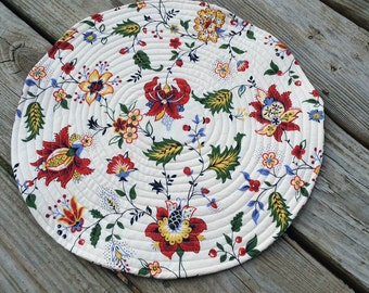 Placemats, A Breath of Avignon by Moda Fabrics, Round