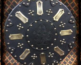 Celtic Scottish targe shield wolf paw