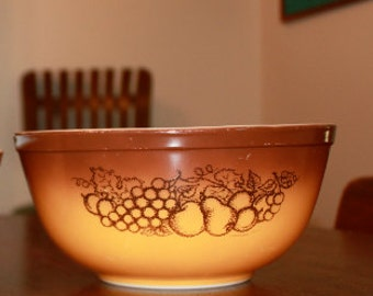Vintage Old Orchard Pyrex Brown Bowl Kitchen Serving Mixing Bowl Housewares 1960s