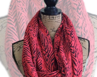 Animal print scarf with hidden pocket, infinity scarves, travel scarf with hidden pocket tiger print red and black scarf secret pocket scarf