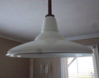Industrial Hanging Barn Light Enamelware