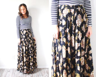 Vintage floral bohemian skirt // SMALL black floral maxi skirt // cream flowered maxi skirt // boho navajo floral print // fall long skirt