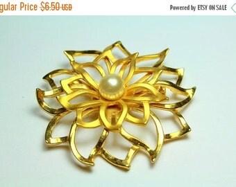 MOVING SALE Half Off Vintage  Gold Flower Metal Brooch with Pearl Center
