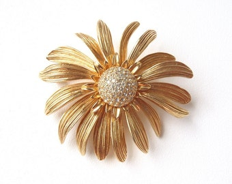 Nettie Rosenstein Brooch Signed Gold Tone Cone Flower with Rhinestones American Women's Fashion Icon Vintage 1960s Costume Jewelry Daisy Pin