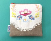 Vintage Embroidered Linen Zipper Pouch
