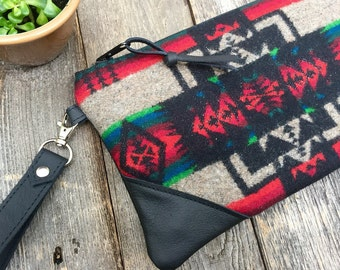 Traveler Wallet Wristlet // Pendleton Tribal Black Leather // Rosebud Originals