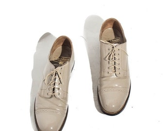 40% off Sale 8.5 | Stacy Adams Cap Toed Oxfords Bone (Ivory) Leather Lace Up Dress Shoe