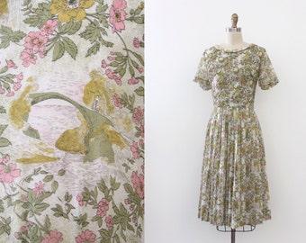 CLEARANCE vintage 1950s novelty dress // 50s bridge scene floral dress