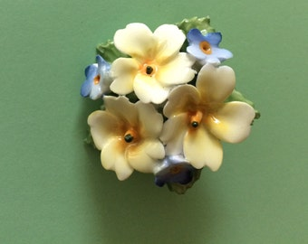 Sweet Bright Resin Flower Bouquet Brooch