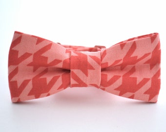 Children's Bow Tie, Pink and Red Houndstooth, Red Bow Tie, Boys Pink Bow Tie, Houndstooth Bow Tie, Ring Bearer, Adjustable Bow Tie