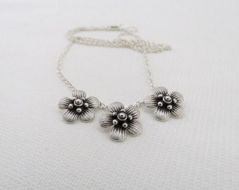 Manuka Blossom Necklace