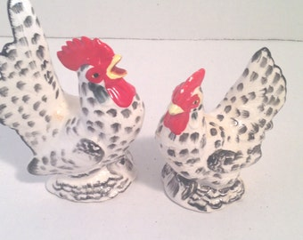 FREE SHIPIPNG USA Canada - Vintage hen and rooster salt and pepper shakers - Salt & pepper shaker - Country decor - Farm decor