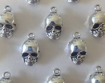 10 x Antique Silver Skull Charms Silver Skulls 16x10x8mm Halloween Skull Pendants