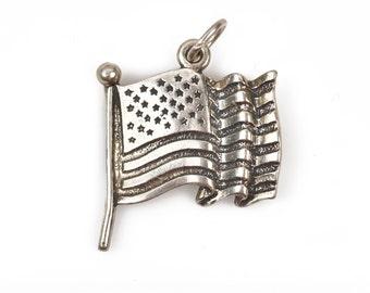 Waving US FLAG Sterling Silver Charm Pendant, 20x19mm, pms0400