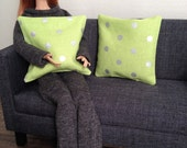 Set of 2 trendy pillows in green with silver polka dots for one sixth scale dioramas