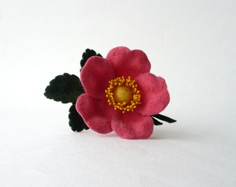 Wild rose brooch, felt flower pin, dog rose pin, boutonniere, pink flower, felt brooch, ready to ship
