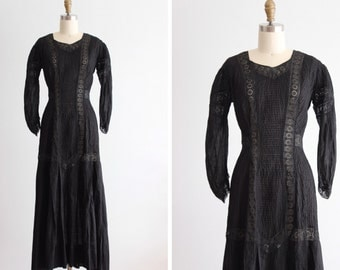 Antique 1910 Verona Black Pleated Dress