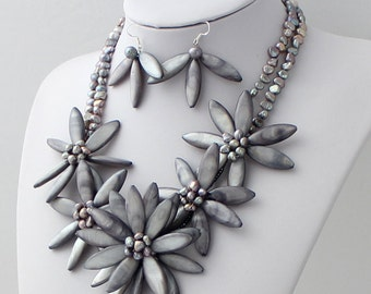 Gray FW Pearl shell Flower Necklace with Earrings Set sister gift, friend gift, mothers gift, wedding gift Statement Necklace