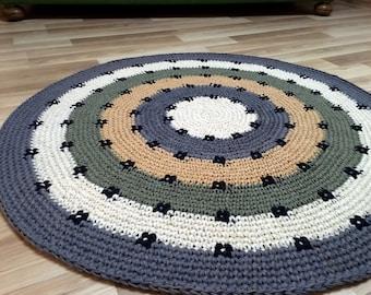 Super cute hand crocheted rug, 37'' in diameter