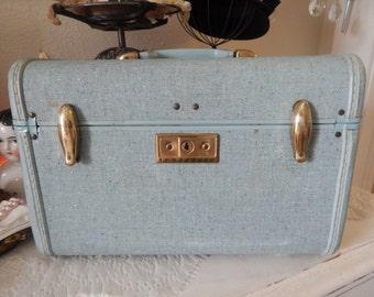 Shabby Chic Samsonite Baby blue Vintage 50's Train or luggage suitcase