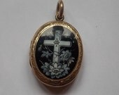 Victorian Vintage Enamel Black White Engraved  Locket BEAUTIFUL