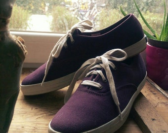 Very Cool Vintage KEDS Tennis Shoes / Eggplant Color