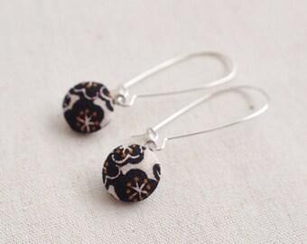 Kimono silk mini hook earrings-flower, black, white