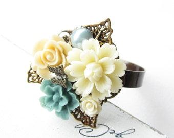 Armreif,Armband,bracelet,cuff,Hochzeit,wedding,Braut,bride,Vintage,flower wedding,flower bracelet,flower cuff,blue,white,cream,blau,weiß