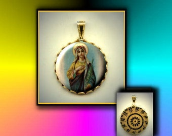 St VICTORIA Vittoria flat button CABOCHON in Brass Charm / Pendant