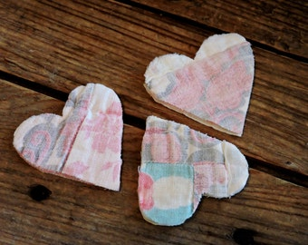 Valentine Heart Appliques, Patchwork Shabby Prim Vintage Feedsack Hand Quilted Crafting Old Textile Quilt Embellishments itsyourcountry