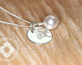 Personalized Pearl Necklace, Bridal Colour Necklace, Bridal Party, Personalized, Monogram necklace, Wedding gifts,  Bridesmaid gifts
