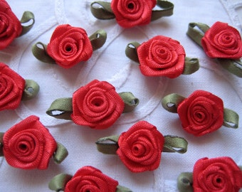 1 inch RED Flower Appliques with Green leaf, 24 pieces for Crafting, Sewing, Valentine's, Wedding, Christening, Embellishment, Quinceanera