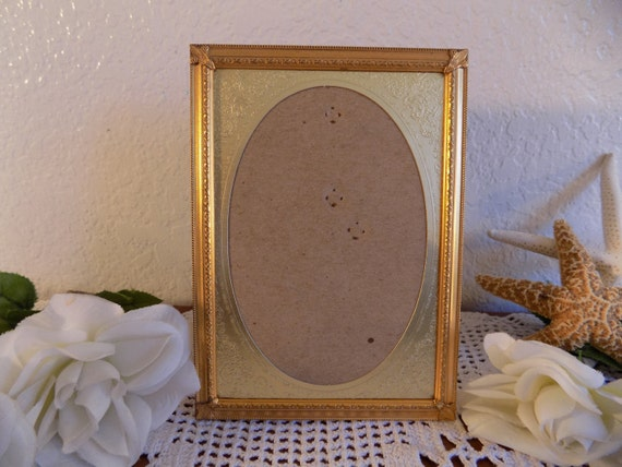Rare Vintage Ornate Oval Gold Picture Photo Frame Hollywood Regency Mid Century Shabby Chic Spring Summer Wedding Decoration Home Decor Gift