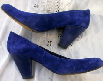 Elegant Blue suede Shoes ~ Leather ~ Heels ~ Vintage Shoes ~ Charles Jourdan Paris ~ Made in France