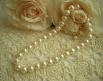 SALE...Lovely Shabby Vintage Chic Creamy White Faux Pearl Necklace From SincerelyRaven On Etsy