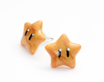 Super Mario Golden Invincibility Star stud earrings - gamer jewelry, gamer girl, geek fashion, nintendo accessories, super mario earrings