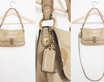 Light Tan COACH Classic Leather Purse, Brass Hardware, Removable Shoulder Strap, Pink Heart Lining, Shoulder Bag, Hand Bag Handbag