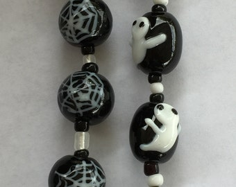 Halloween Cute Ghost or Spider Web Handmade Lampwork Glass Beads(Pack of 12 beads) L01012