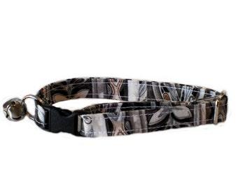 Gothic adjustable breakaway cat collar