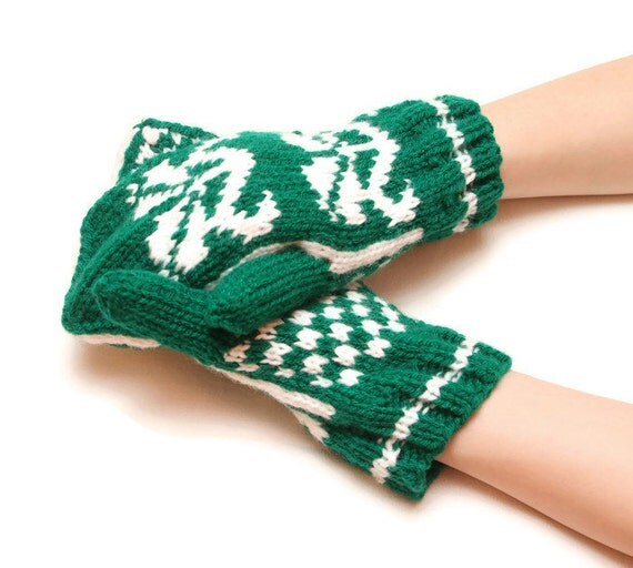 Traditional patterned mittens - green mittens, white pattern, traditional mittens, warm winter mittens, warm mittens, striped pattern