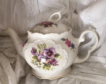 Vintage Staffordshire /England/ Crown Dorset  porcelan teapot