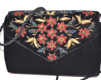 90s  black Purse Small velveteen evening makeup cosmetic  bag  clutch with embroidery beads and accents  flowers  wedding prom clutch