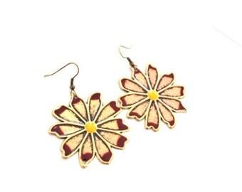 Vintage Daisy Earrings Gold Maroon Dangle