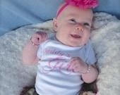 Parley Ray Custom Vinyl Baby Girls Shirt Daddy's Girl Bodysuit