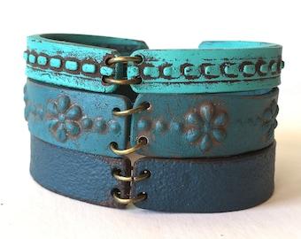 Beach Bridesmaid Bracelet, Layered Bracelet, Boho Beach, Maui, Hawaii, Ocean Vibes, Shades of Blue, Turquoise, Seaside Wedding, Beach trends